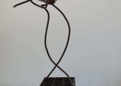 Ballerina, scultura in ferro